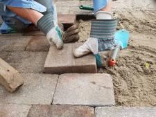 Werknemer (17) eist achterstallig salaris van bestratingsbedrijf Enschede