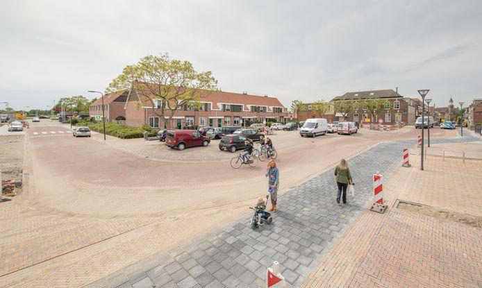 Het nieuwe Havenplein in Sint-Annaland is bijna gereed.