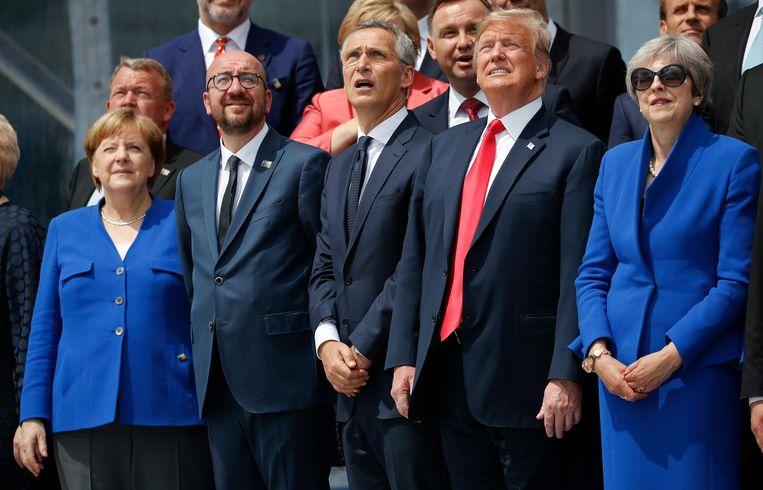 Vlnr. de Duitse bondskanselier Angela Merkel, Belgisch premier Charles Michel, NAVO-secretaris-generaal Jens Stoltenberg, Amerikaans president Donald Trump en de Britse premier Theresa May.