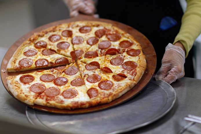 De journalist kocht twee pizza's in ruil voor 10.000 bitcoins.