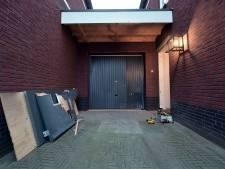 Plafondplaten kwamen naar beneden door explosie bij woning burgemeester Woensdrecht