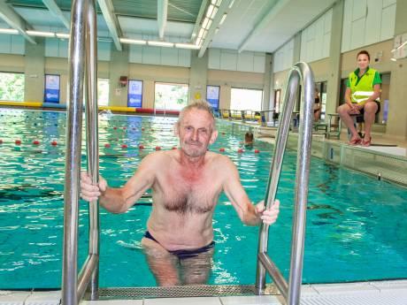 Kees (77) uit Gouda kan eindelijk weer 70 baantjes per dag zwemmen