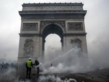 Duizenden agenten in Parijs op de been voor protesten 'gele hesjes'