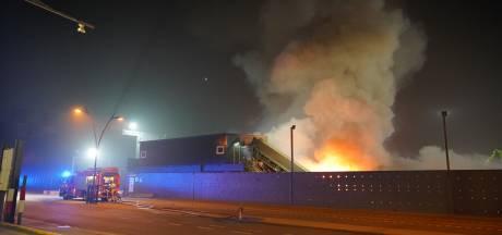 Brand bij Nijmeegse metaalbedrijf ontstaan in berg schroot van tien bij tien meter