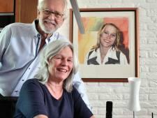De zwerfkei langs de weg biedt Jaap en Anne troost en herinnering: 'Kim is altijd bij ons'