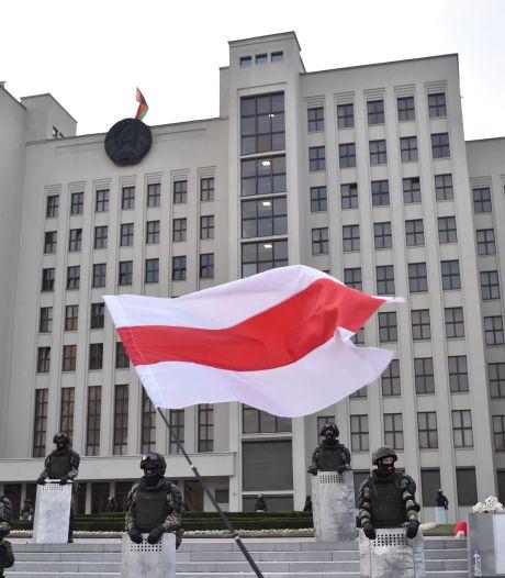 """32 """"combattants"""" russes arrêtés ont été remis à Moscou"""