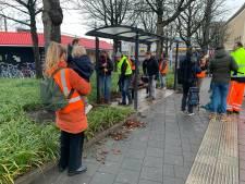 Tientallen schoonmakers maken Eindhoven Centraal in korte tijd weer toonbaar: 'Ze zijn wel erg aangeslagen'