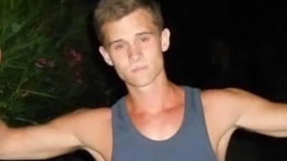 """Familie en vrienden plannen stille wake voor Ennio Van Bogaert (25): """"Er moeten lessen getrokken worden uit zijn dood"""""""