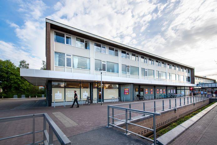 Links naast de huidige Dekamarkt wordt de supermarkt op winkelcentrum Kerschoten vergroot. Op die nieuwbouw komt ook een personeelsruimte.