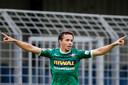 Pedro Marques van FC Dordrecht viert zijn doelpunt tegen Norwich City onder 23.