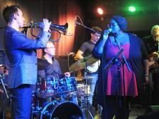Souldiva Shirma Rouse en trompettist Rik Mol treden samen op in Kapelle