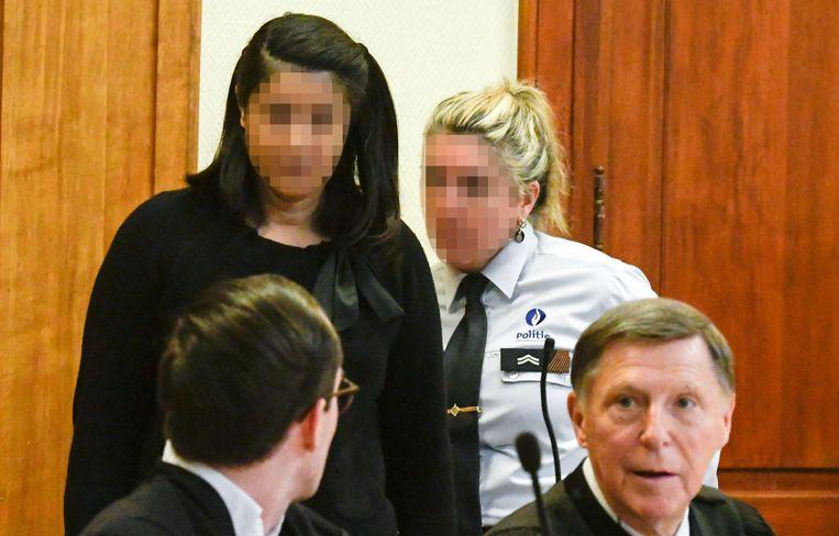 Mehrnaz Didgar in gesprek met haar advocaten.