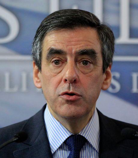 """Mariage homosexuel: Fillon appelle Hollande à """"ne pas passer en force"""""""