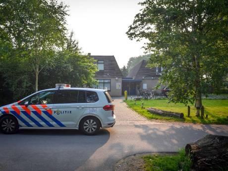 Man steelt CD-spelers en mengtafel uit pand Stichting MAX in Alphen