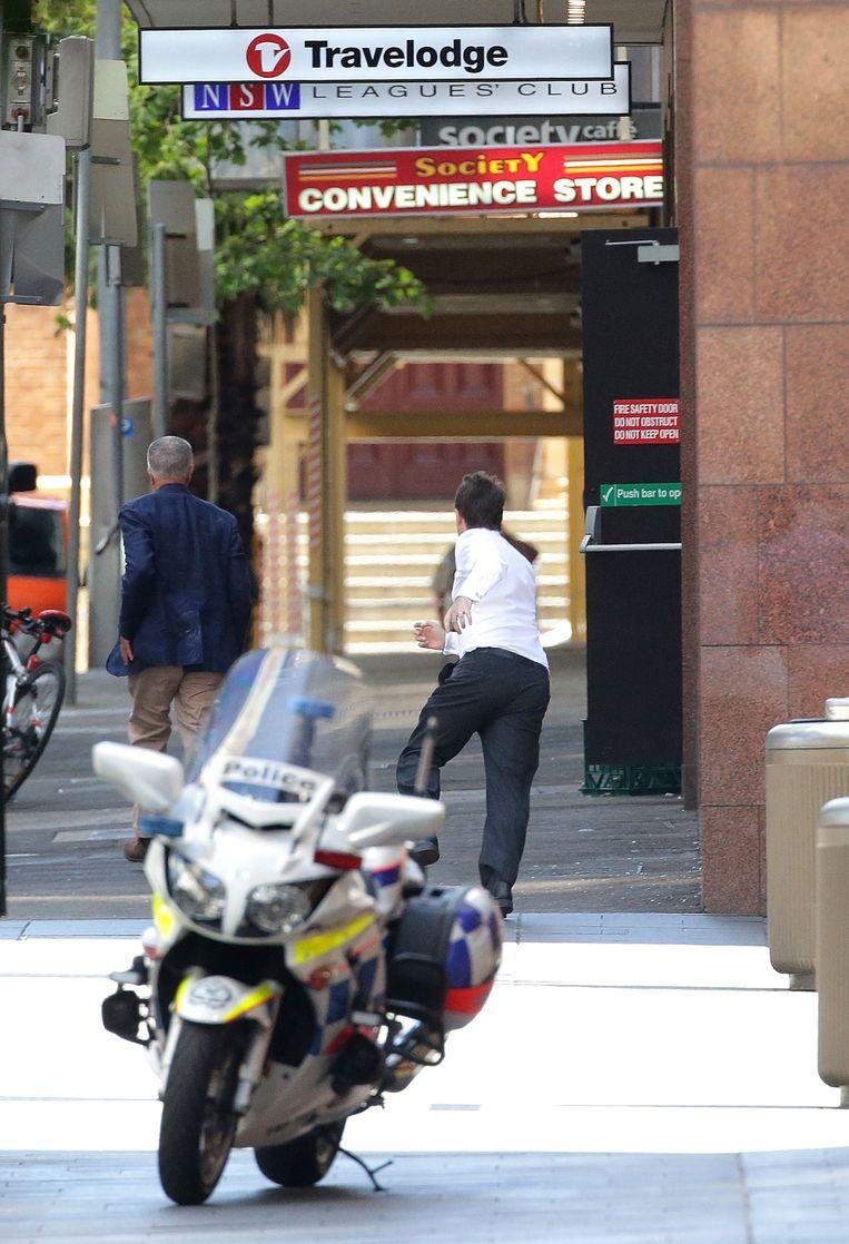 Twee mannen wisten eerder vandaag uit het café te ontsnappen. Beeld getty