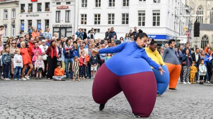 Cirk-taxi brengt rolstoelgebruikers naar circusfestival