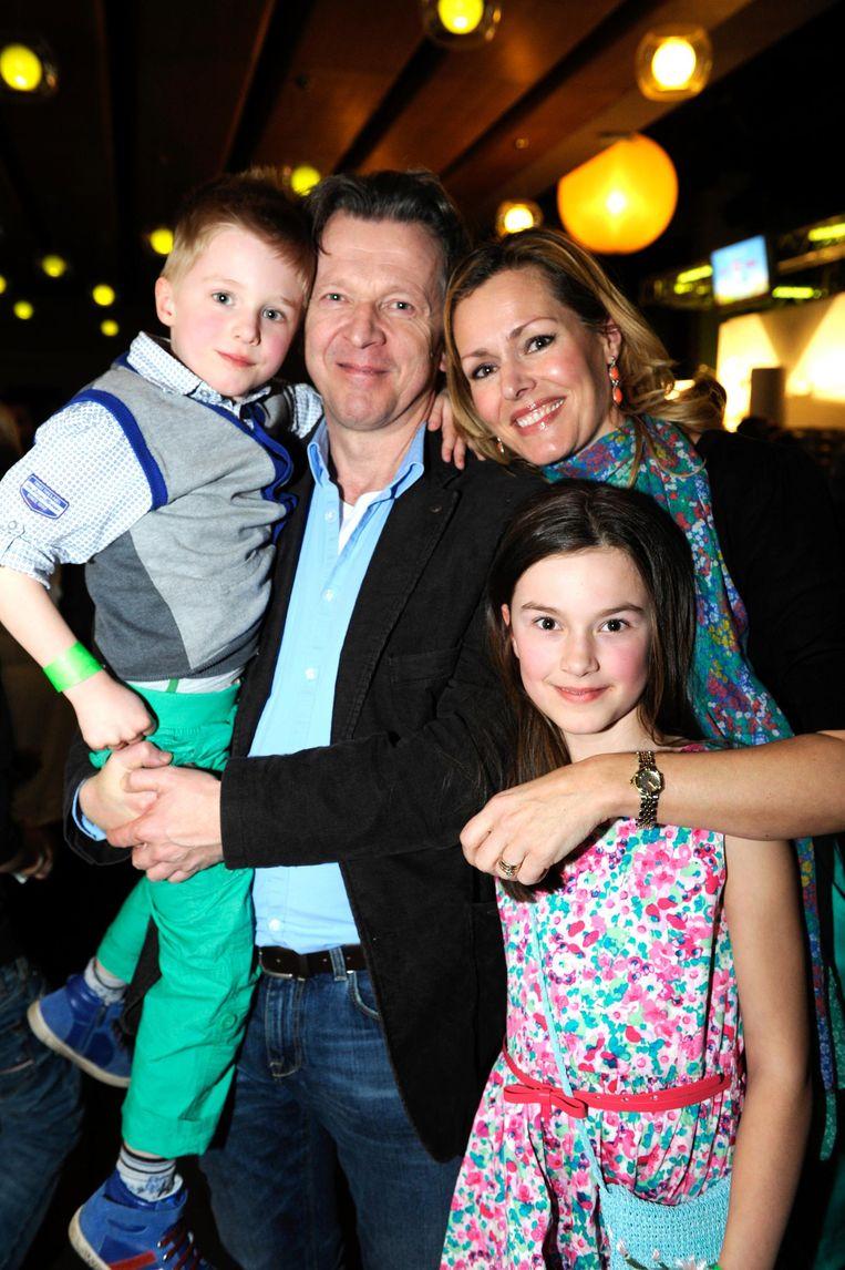Lucas en zijn vrouw Sofie met hun kinderen Lou en Flore in 2013.