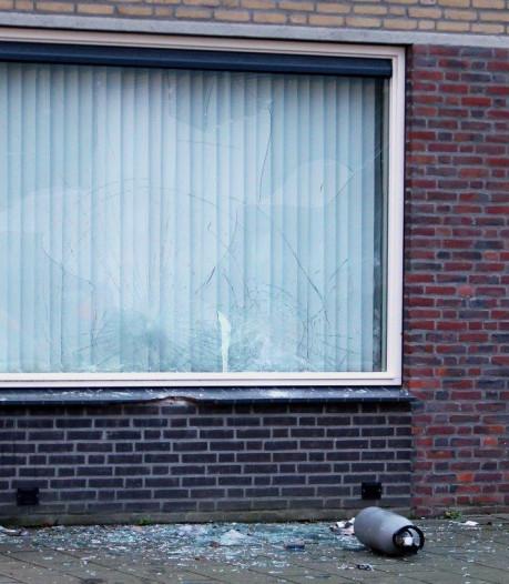 Gooien met gasfles in Demerstraat was volgens politie geen aanslag: 'Wijkagent gaat bemiddelen'