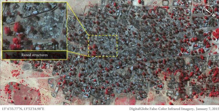 Dit is het satellietbeeld van 7 januari dat laat zien hoe een groot deel van het dorp is platgebrand. Volgens Amnesty zijn 3.700 bouwsels gedeeltelijk of helemaal verwoest. Beeld AP