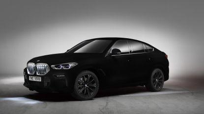 Deze BMW is zwarter dan zwart, en lijkt zowaar bijna tweedimensionaal