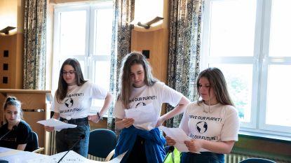 Leerlingen provinciale school Bilzen houden klimaatmars