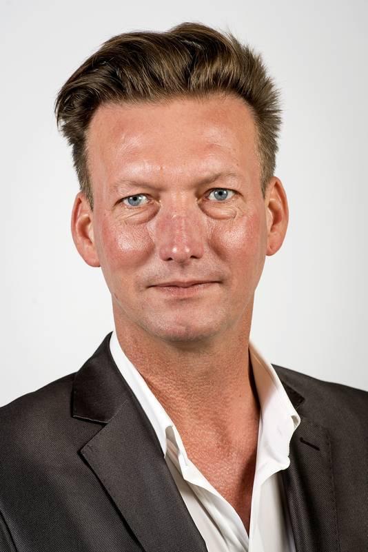 Tjeerd van Dekken (PvdA): Voetbal is voor supporters. Ik wil niet dat zij lastiggevallen worden door dit soort belfiguren