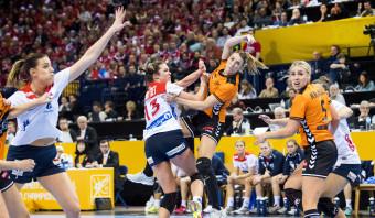 Het gat met Noorwegen blijft in halve finale te groot voor Nederlandse handbalsters