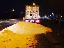 Vrachtwagen verliest lading gerst