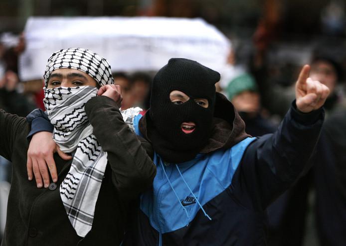 Moslimjongeren tijdens een demonstratie