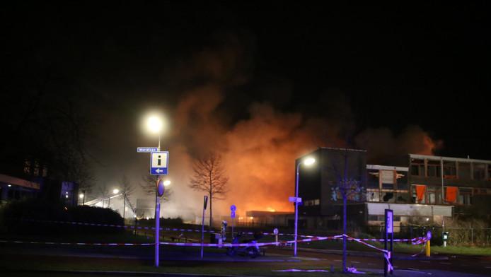 Grote brand in leegstaande gebouw