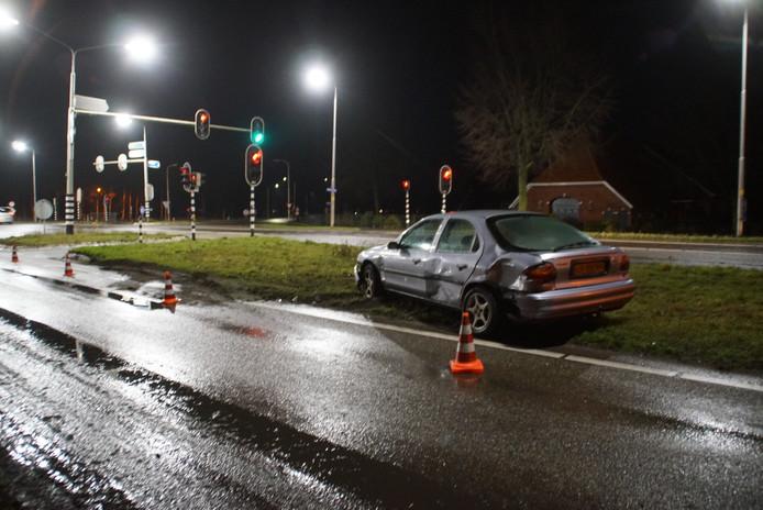 De personenauto moest worden afgesleept na de botsing op de kruising van de N18 en de Zieuwentseweg in Lichtenvoorde.