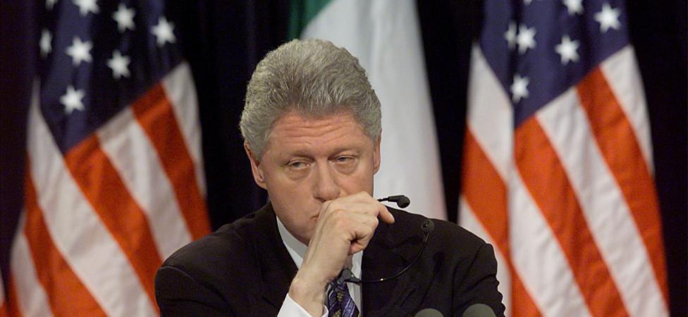 Hoe Bill Clinton zichzelf als slachtoffer van de Lewinsky-affaire framet