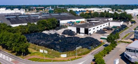 'Schone' matten van omstreden kunstgrasverwerker Tuf Recycling worden verwerkt tot balen