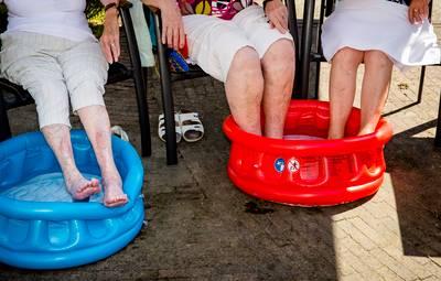 Voetenbadjes en natte washandjes: hitteprotocol van kracht in verzorgingshuizen