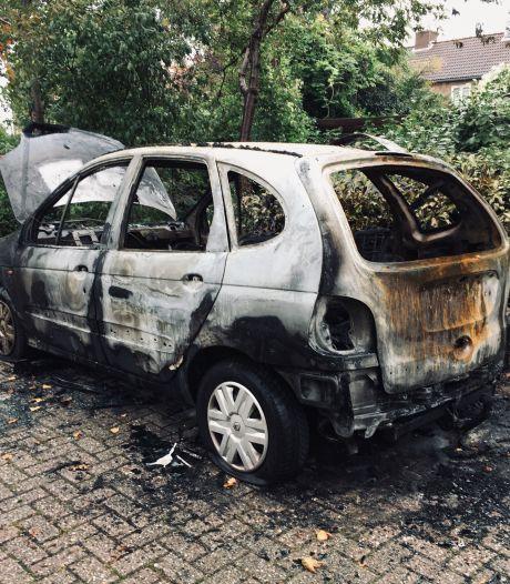 33-jarige man opgepakt voor autobrand in Deventer