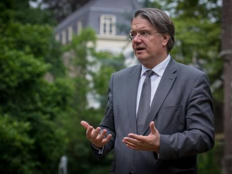 Wim van de Donk: 'We maken het criminele lui te makkelijk'