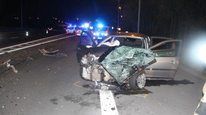 Dolle achtervolging door politie eindigt met crash aan afrit E17 in Deerlijk