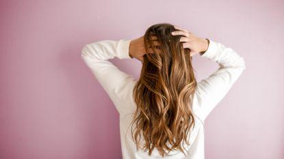 Tijdens de winter verlies je meer haar en 4 andere haarmythes onder de loep