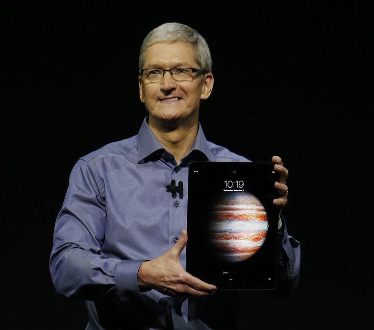 Tim Cook introduceert de nieuwe iPad Pro. Beeld epa