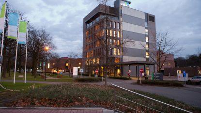 """Vanaf dinsdag weer beperkt bezoek in AZ Turnhout: """"Eén bezoeker per dag en alleen 's avonds"""""""