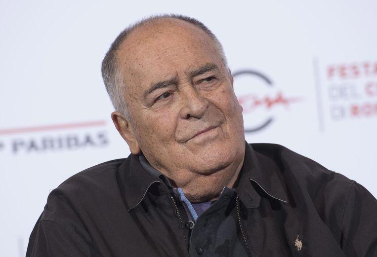 De Italiaanse regisseur Bernardo Bertolucci is op 77-jarige leeftijd overleden. Dat meldt de Italiaanse krant La Repubblica.