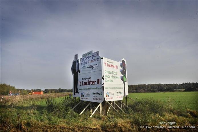 Er is voor het eerst sinds lange tijd weer een stuk grond verkocht op bedrijvenpark 't Lochter.