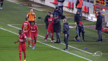 Mirallas valt Bölöni in de armen na zijn winnende treffer, bekijk hier de hoogtepunten van Antwerp-KV Mechelen