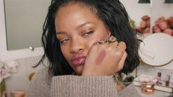 Rihanna's huidverzorgingslijn 'Fenty Skin' komt er echt