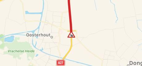 Ongeluk op A27 bij knooppunt Hooipolder, rijbaan dicht