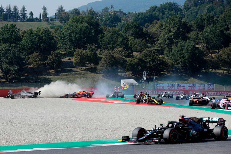 De betreffende crash op het Formule 1-parcours.  Beeld AFP