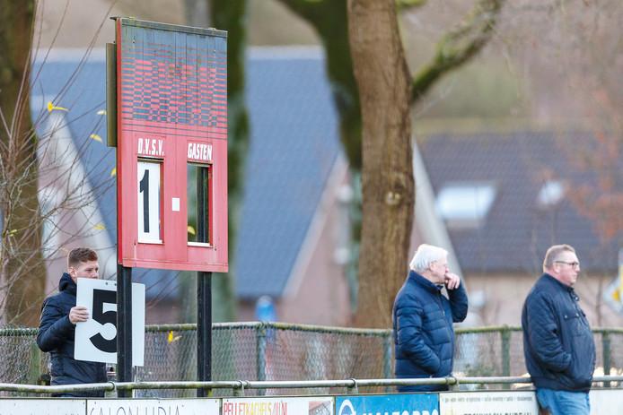 Het scorebord wordt voor een zesde maal aangepast in Darp.