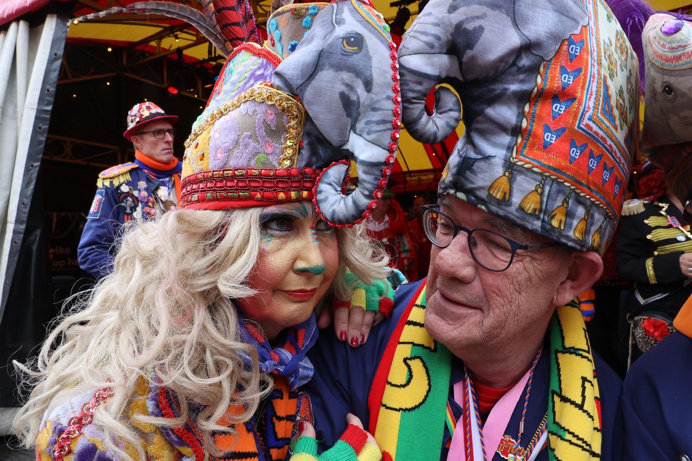 De dertigste prins Bock dun Urste van carnavalsvereniging Wilhelmina is bedroefd over het afblazen van de optocht in Eindhoven.