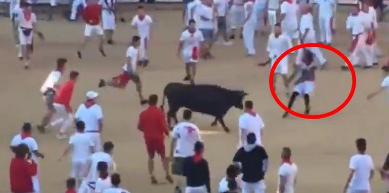 Josh Norman heeft een nieuwe hobby: over stieren springen.