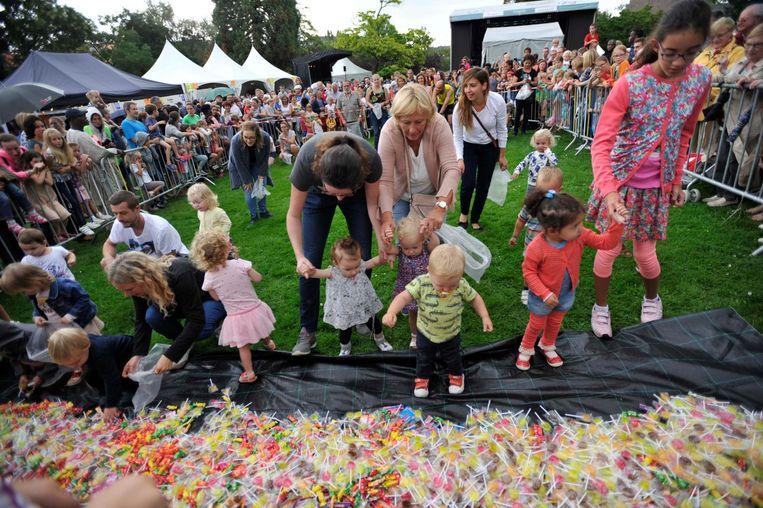 Een massa volk gisteren in het gemeentelijk park aan de Hector Henneaulaan voor de zesde editie!